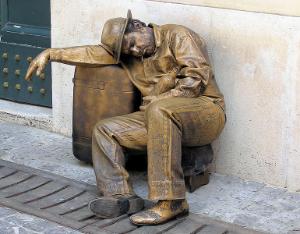 living statues